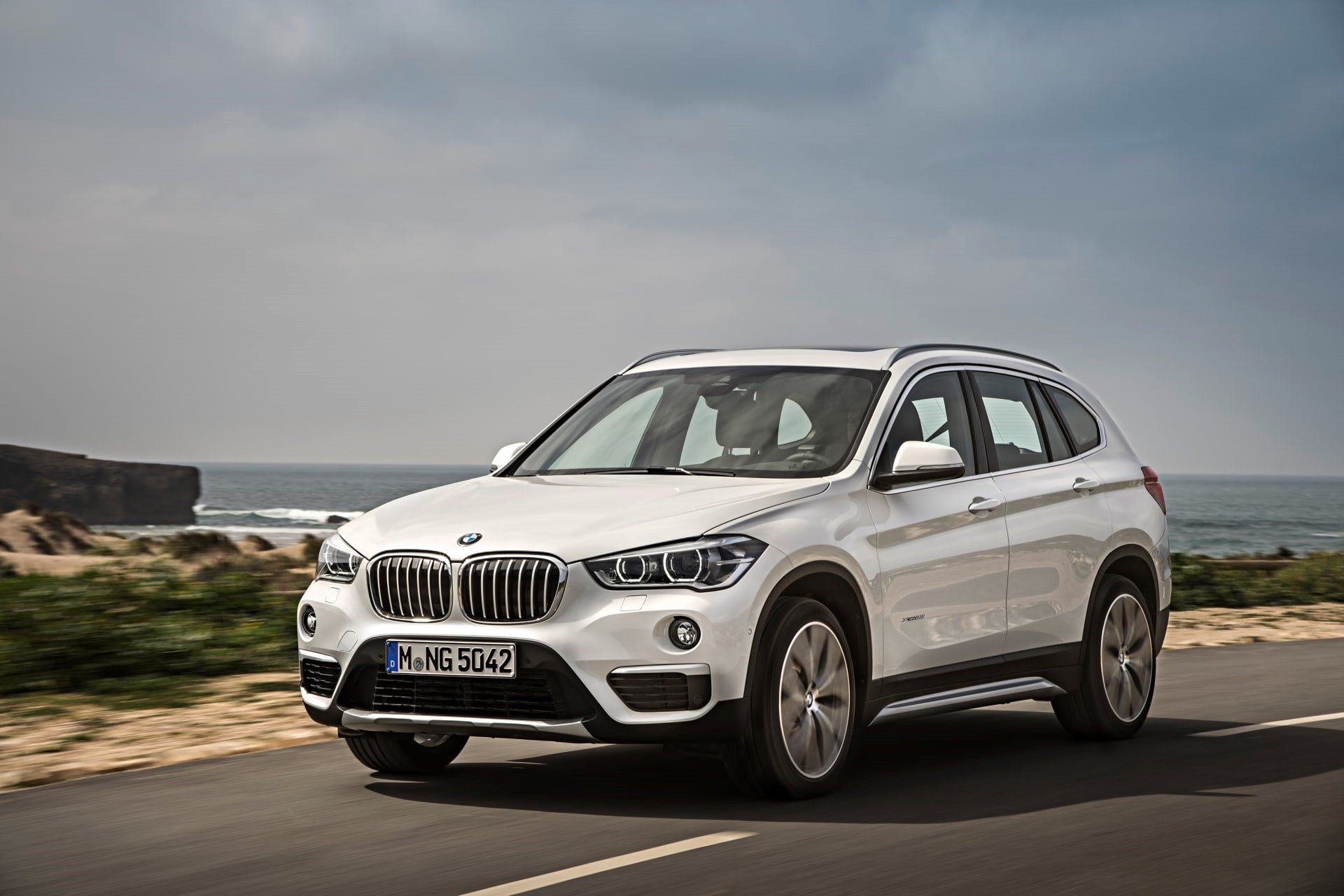 New 2020 BMW X1 xDrive28i for sale $36,950 at M and V Leasing in Brooklyn NY 11223 1