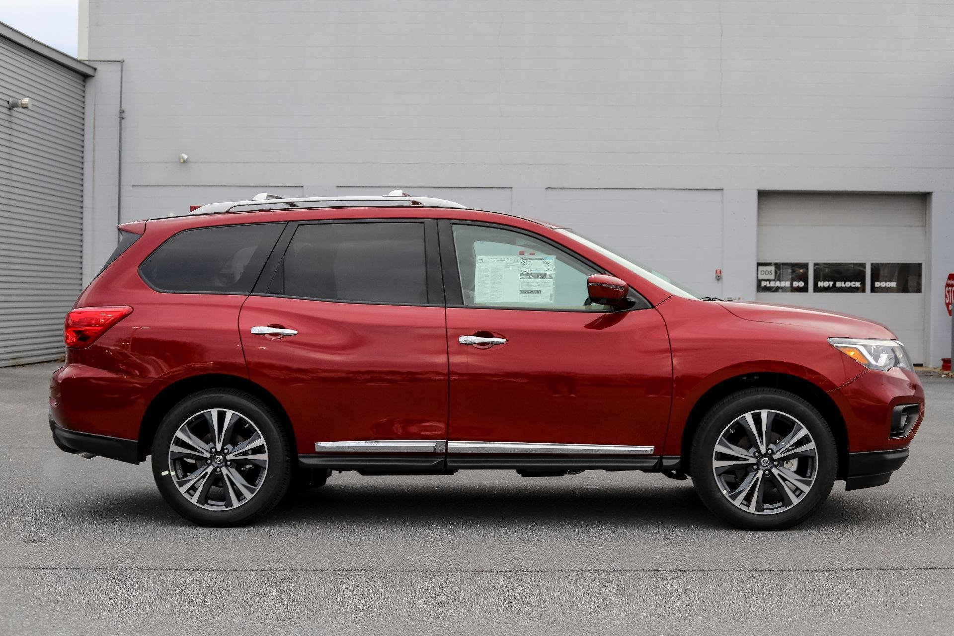 New 2019 Nissan Pathfinder Platinum Platinum for sale $44,560 at M and V Leasing in Brooklyn NY 11223 1