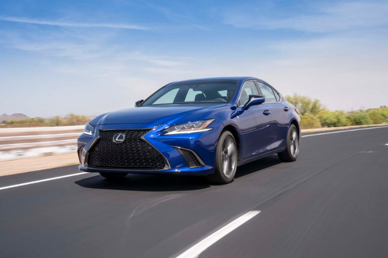 New New 2019 Lexus ES 300h Luxury Luxury for sale $44,215 at M and V Leasing in Brooklyn NY