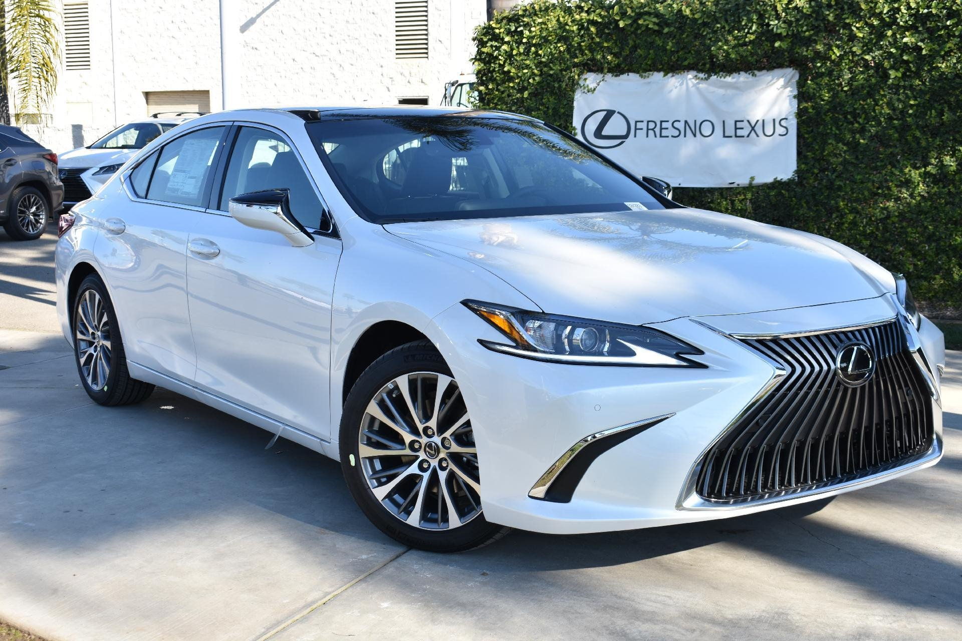 New 2019 Lexus ES 350 Ultra Luxury for sale $43,400 at M and V Leasing in Brooklyn NY 11223 1