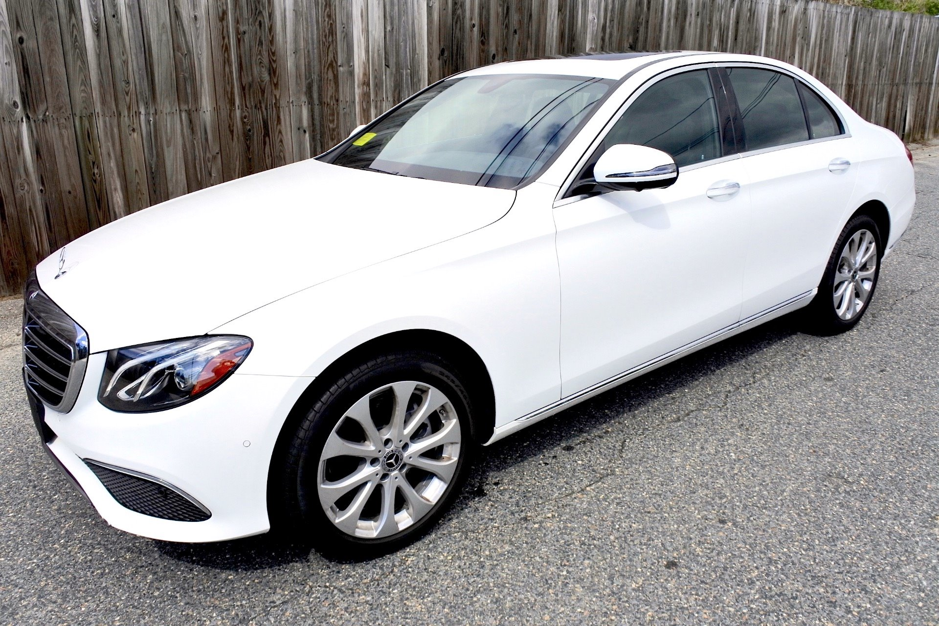New 2019 Mercedes-Benz E 300 4MATIC E 300 4MATIC for sale $56,000 at M and V Leasing in Brooklyn NY 11223 1