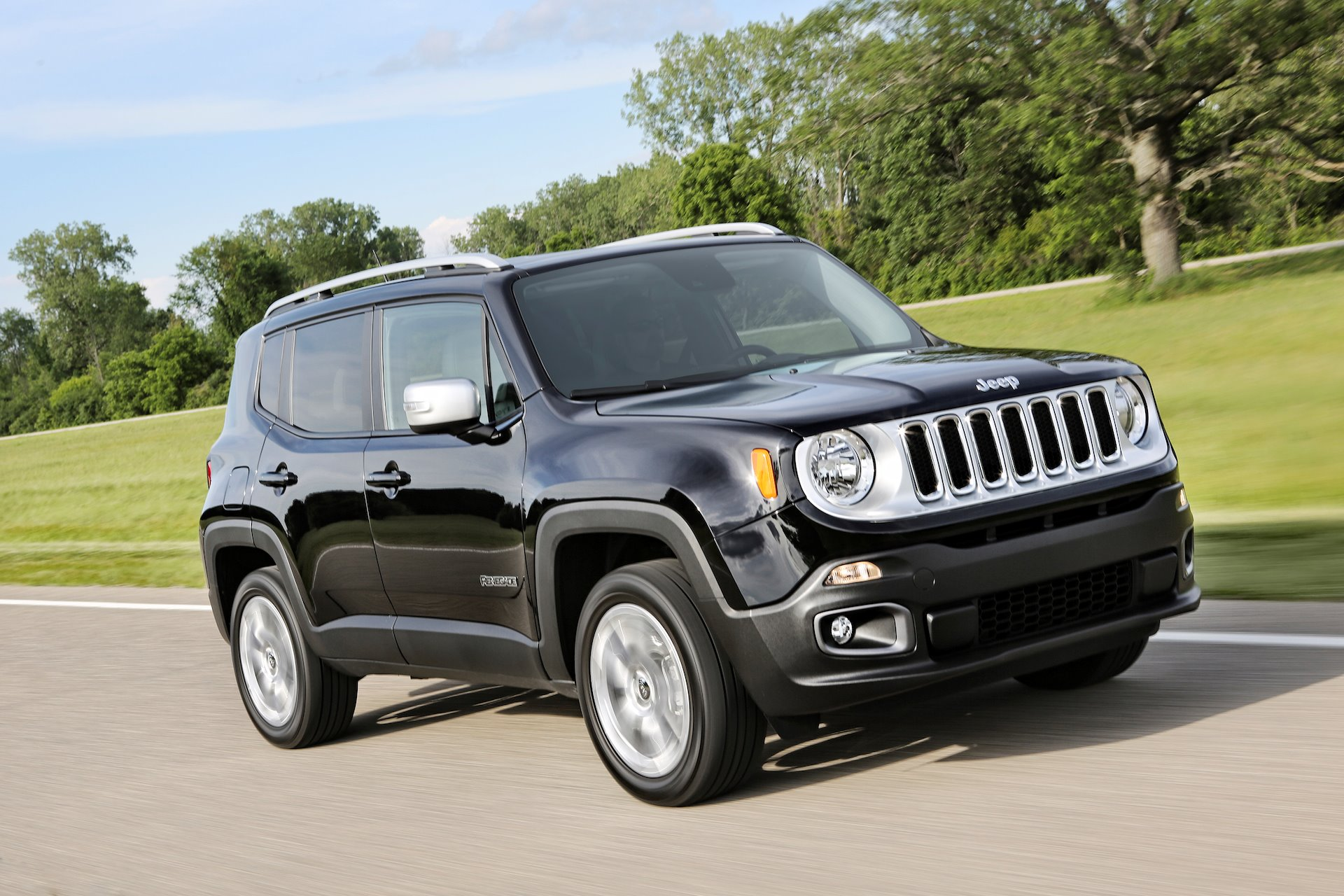 New 2019 Jeep Renegade Altitude Altitude for sale $26,370 at M and V Leasing in Brooklyn NY 11223 1