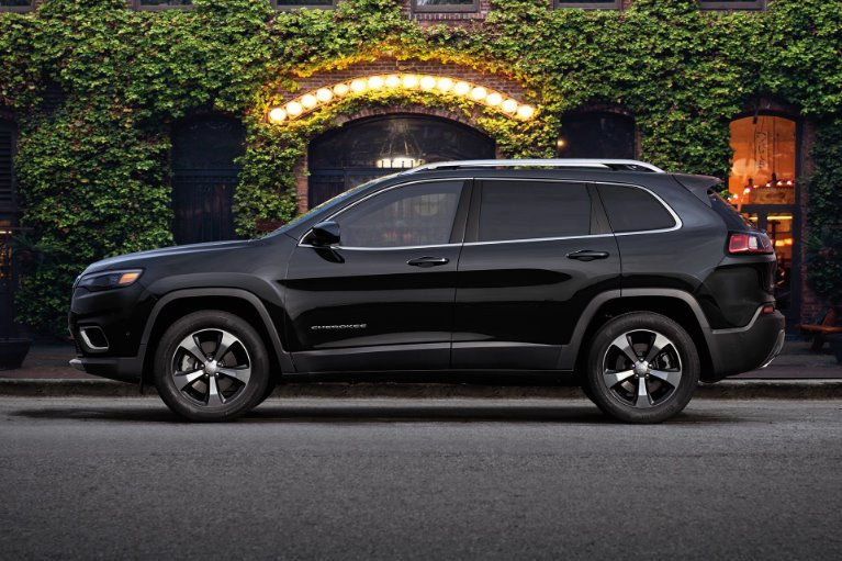 New New 2019 Jeep Cherokee Altitude Altitude for sale $29,640 at M and V Leasing in Brooklyn NY