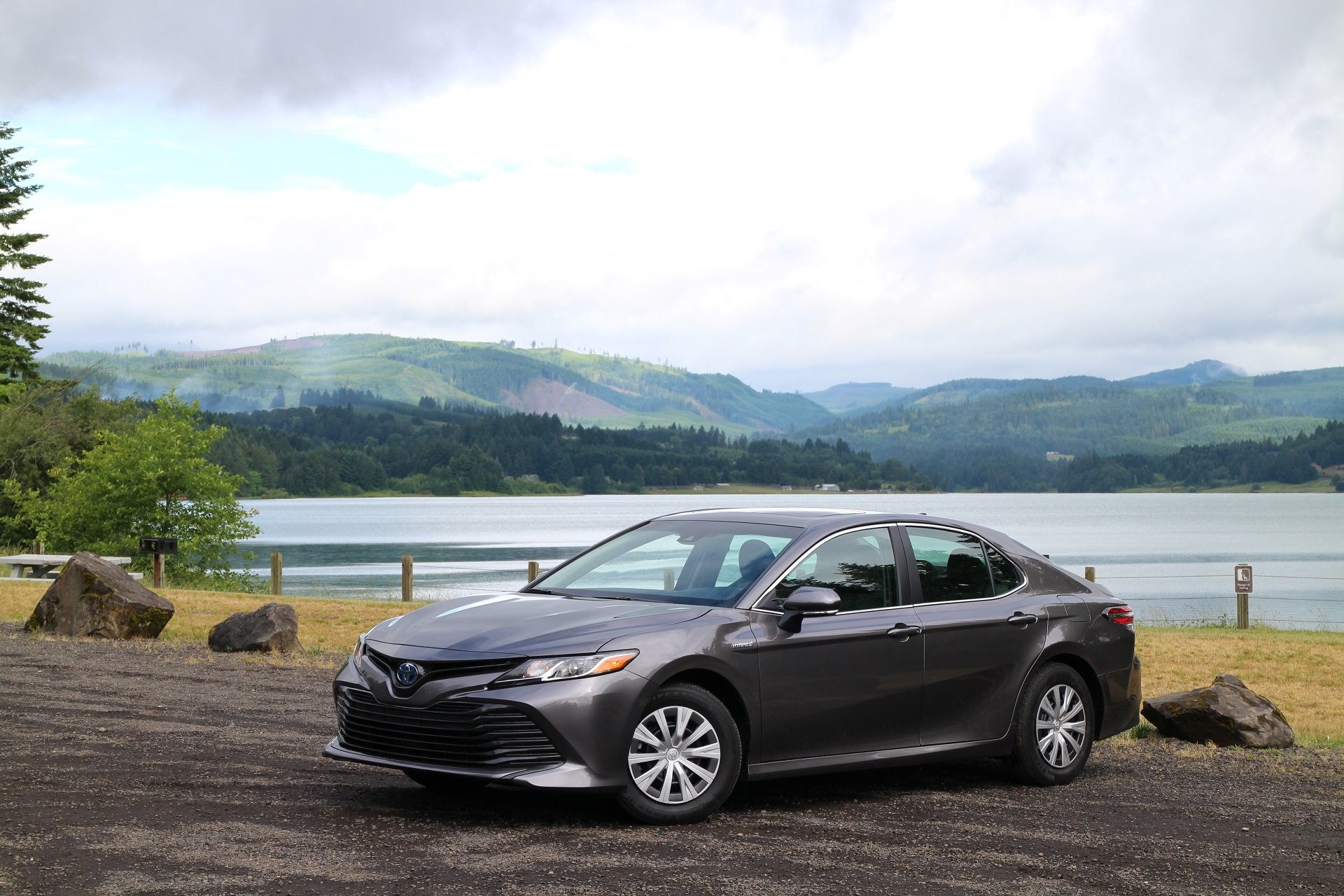 New 2019 Toyota Camry Hybrid XLE Hybrid for sale $32,975 at M and V Leasing in Brooklyn NY 11223 1