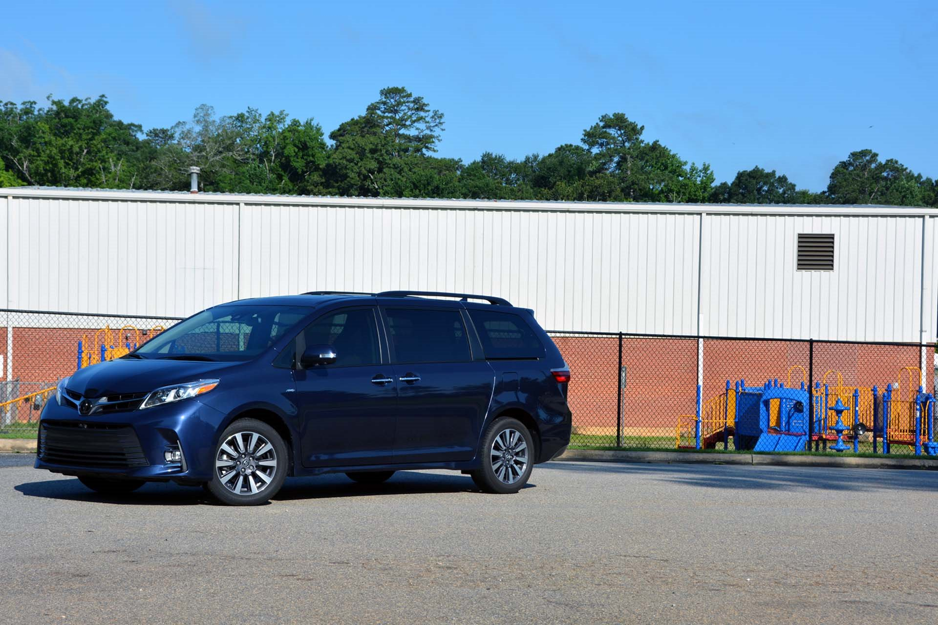 New 2020 Toyota Sienna LE 7-Passenger Auto Access Seat for sale $40,160 at M and V Leasing in Brooklyn NY 11223 1