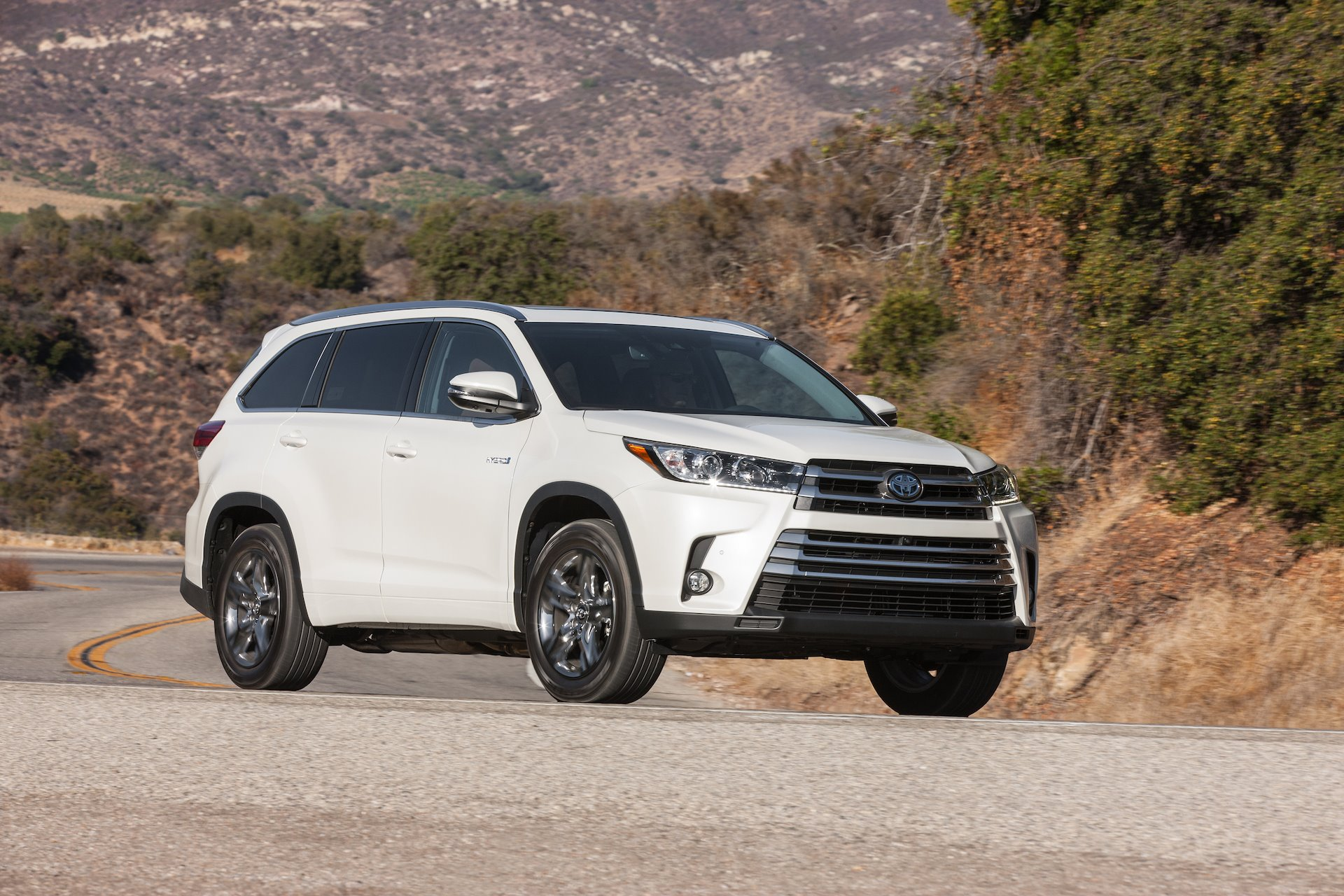 New 2019 Toyota Highlander Hybrid Limited Platinum Hybrid for sale $48,980 at M and V Leasing in Brooklyn NY 11223 1