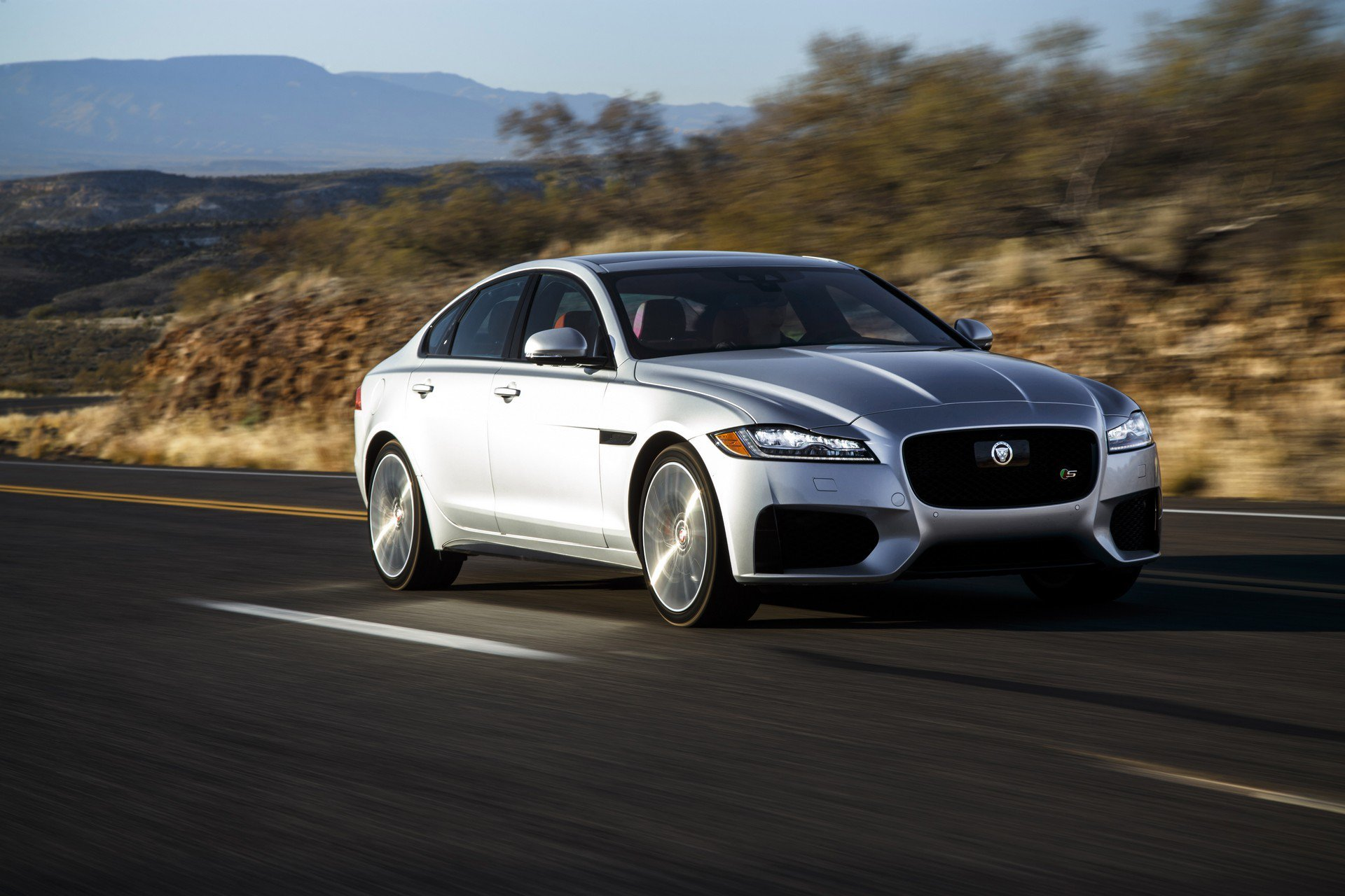 New 2020 Jaguar-XF 25t Premium XF 25t Premium for sale $54,100 at M and V Leasing in Brooklyn NY 11223 1
