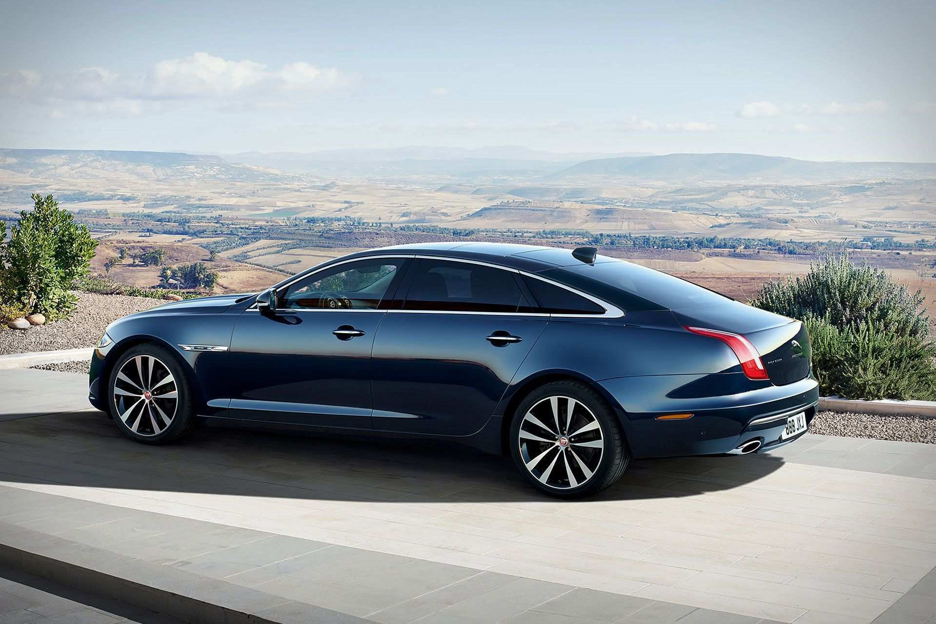 New 2019 Jaguar-XJL 50 V6 XJL 50 V6 for sale $91,200 at M and V Leasing in Brooklyn NY 11223 1