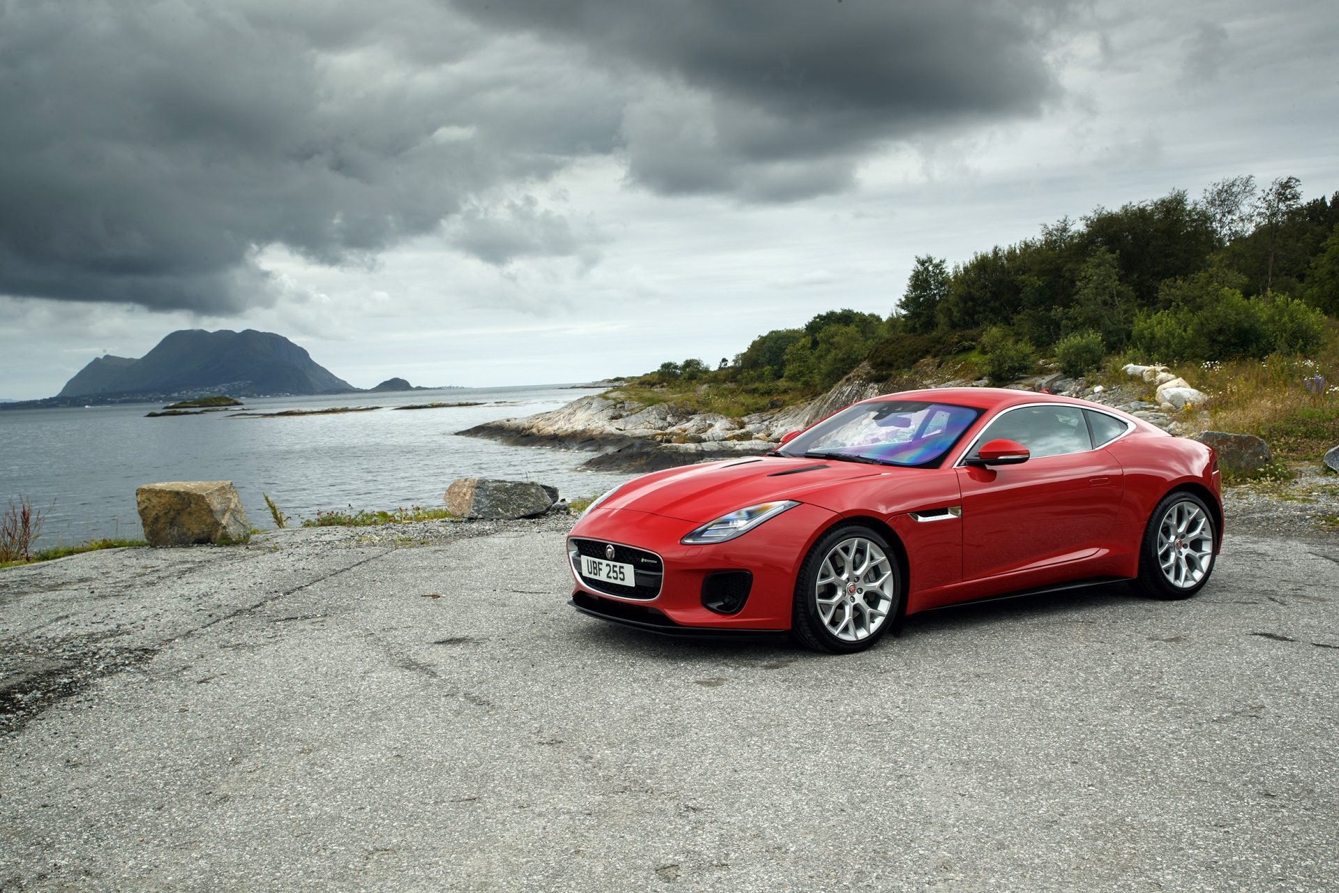 New 2019 Jaguar-F-TYPE R-Dynamic F-TYPE R-Dynamic for sale $86,350 at M and V Leasing in Brooklyn NY 11223 1