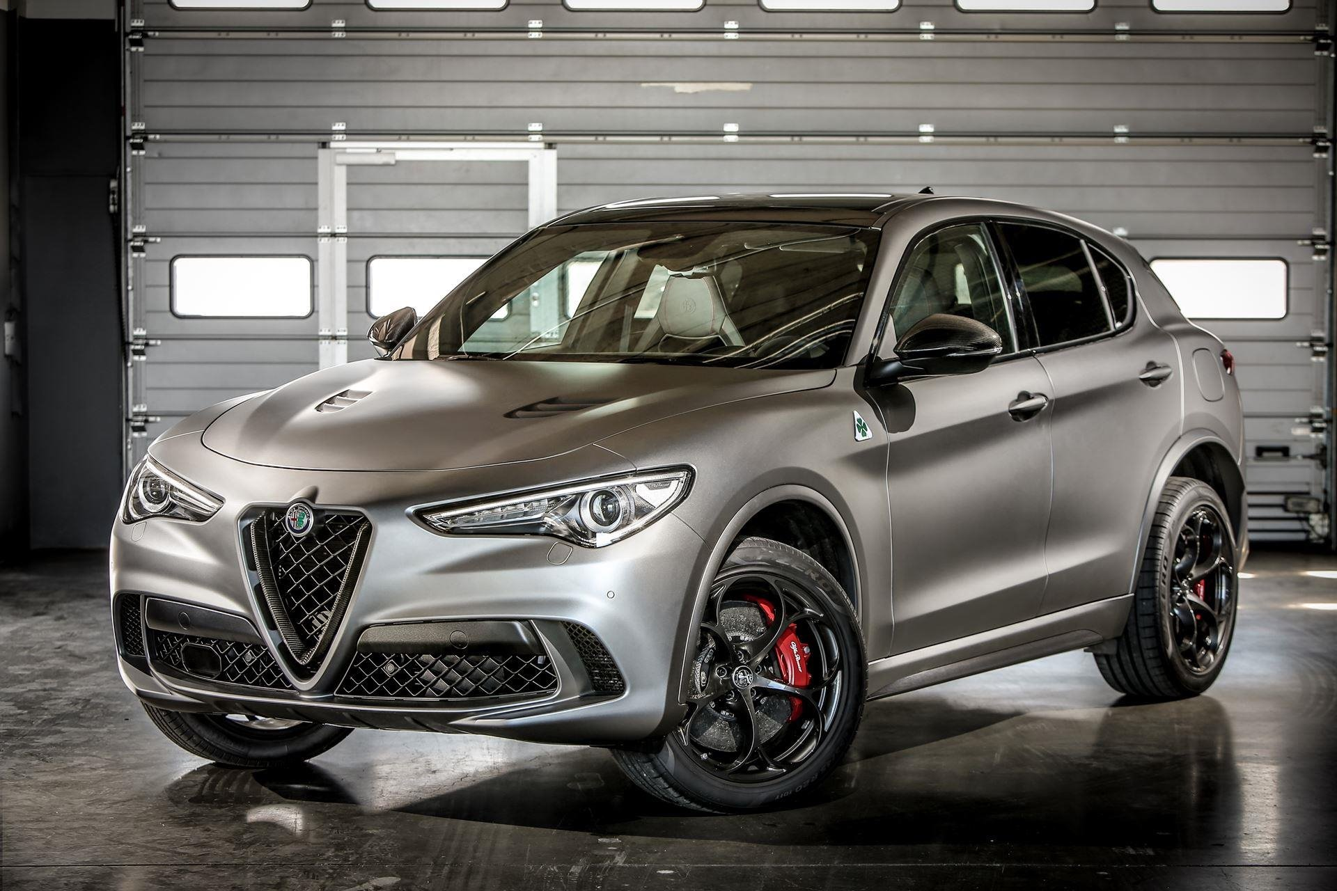 New 2020 Alfa Romeo-Stelvio Base Stelvio for sale $45,295 at M and V Leasing in Brooklyn NY 11223 1